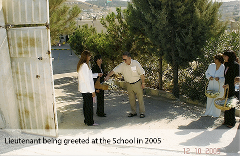 2005_Joe_McD_at_Naour_School